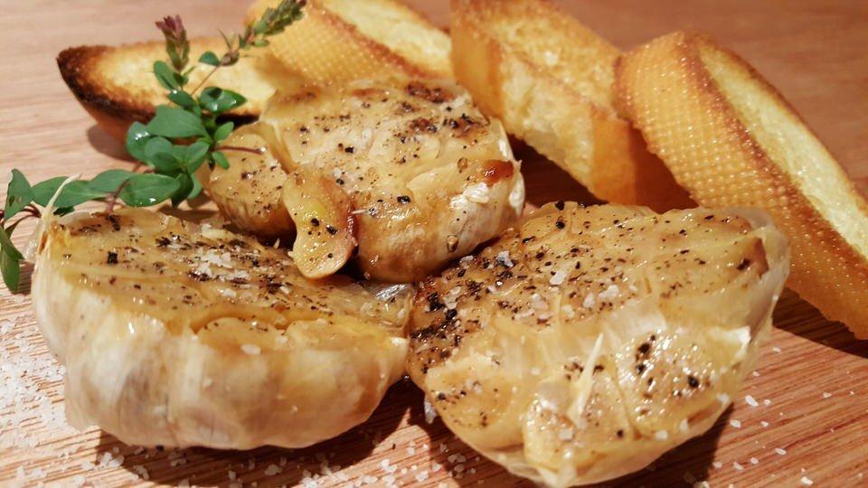 Roasted Garlic with Whiskey Oak Smoked Salt – Whiskey Oak Seasonings